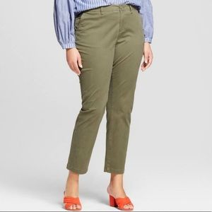 J. Jill Olive Green Live In Cropped Chino Pants 18
